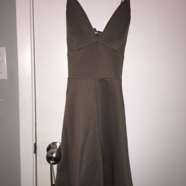 Small dress fit on top flowy bottom