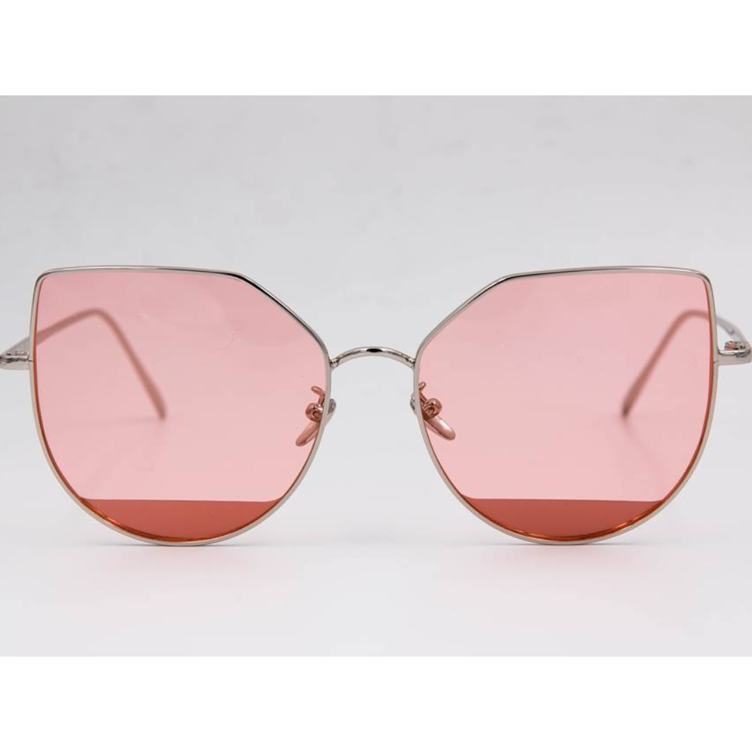 Style 001: Pink Sunglasses