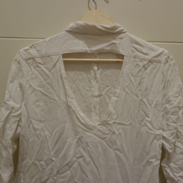 Triangle back shirt