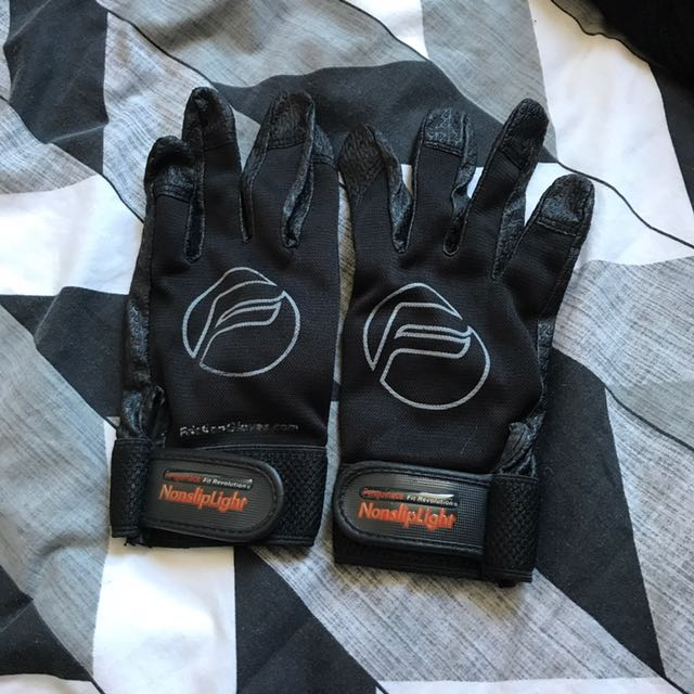 Ultimate Frisbee Friction Gloves