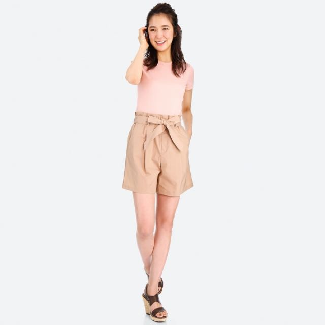 08bac714e0 UNIQLO High Rise Belted Shorts in Beige, Women's Fashion, Clothes, Pants,  Jeans & Shorts on Carousell