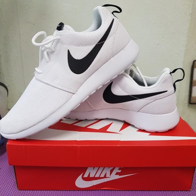 Authentique Nike Roshe Singapore Mrt