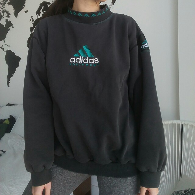 VINTAGE Adidas crew neck