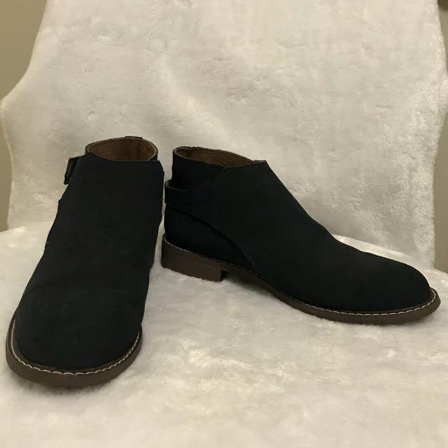 WALNUT Boots Size 38