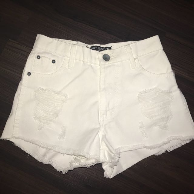 White hotpants jeans