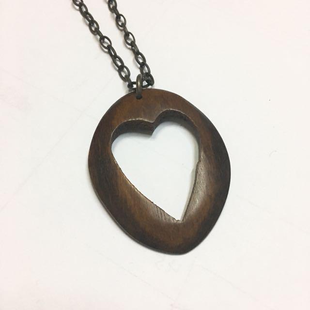 Wood heart pendant necklace