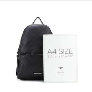 🚚 MIZZUE 時尚格菱紋大容量後背包