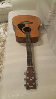 Acoustic Guitar - Yamaha