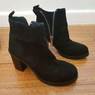Wittner Suede Boots