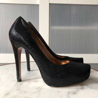 Black BCBG Pumps