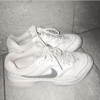 Nike鞋 非常好穿 休閒鞋👟