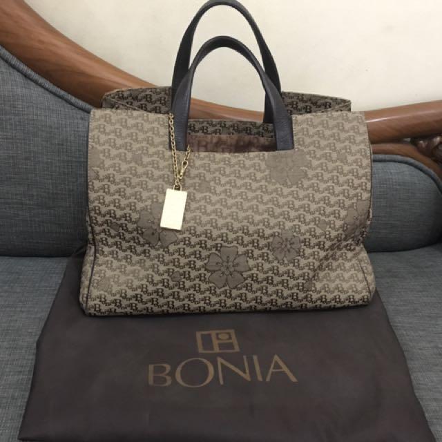 100% Original Bonia Classic.