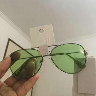 Green h & m sun glasses
