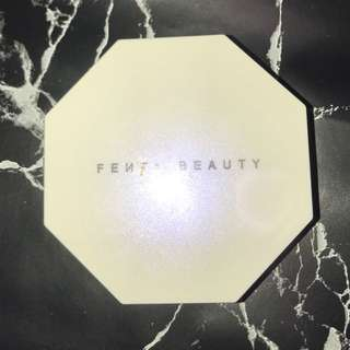 FENTY BEAUTY highlighter - trophy wife