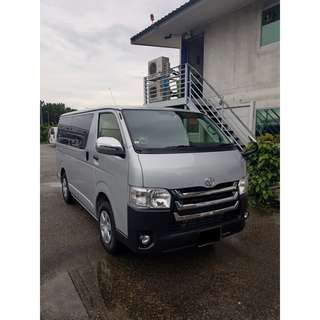 TOYOTA HIACE 5DR Auto New