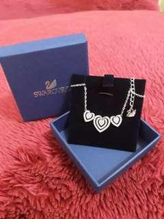 SWAROVZKI Hearts Necklace