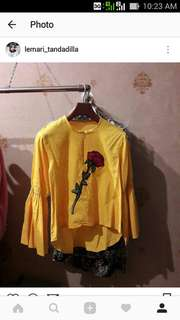 Blouse yellow emboirded