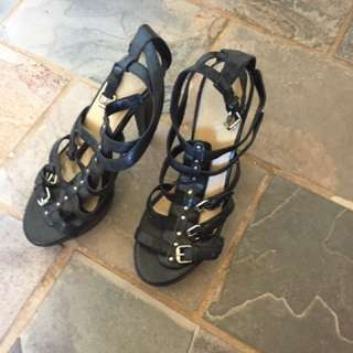 Barely used women's shoes