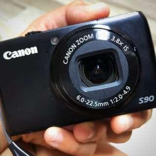 Canon S90