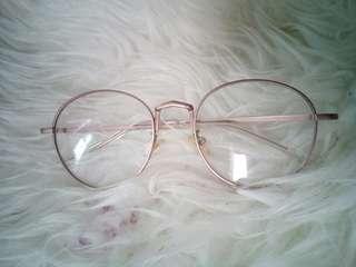 Kacamata rose gold