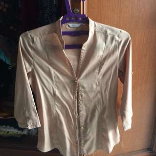 Nude shirt accent