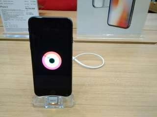 iPhone di iBox Botani