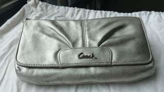 Coach clutch