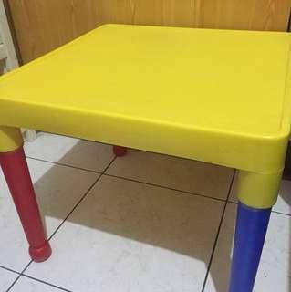 兒童遊戲桌椅(一桌二椅)