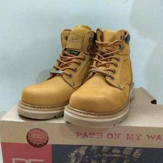 🚚 【全新】Pathfinder 5616W 淺黃色磨沙短靴