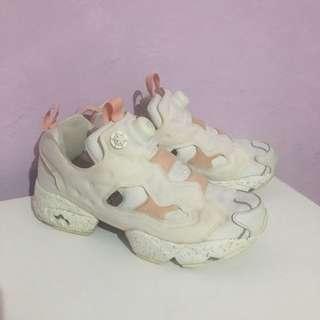 Reebok pump 復活節兔子 白粉 24.5