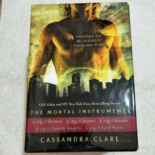 The Mortal Instruments 5 Volume Set by Cassandra Clare (Paperback)