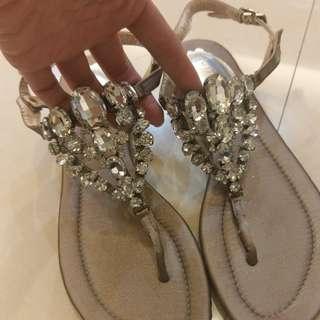 寶石夾腳涼鞋