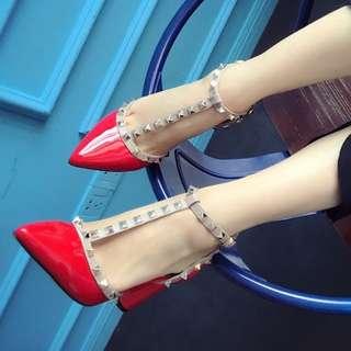 2017春夏新款韓版婚鞋鉚釘T型帶粗跟女單鞋歐美柳丁淺口高跟涼鞋