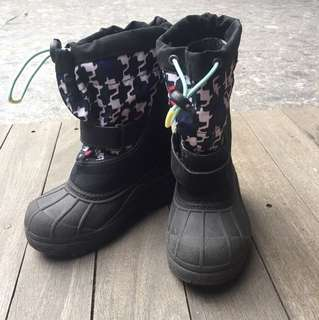 Columbia ski boots for 4-5 years old