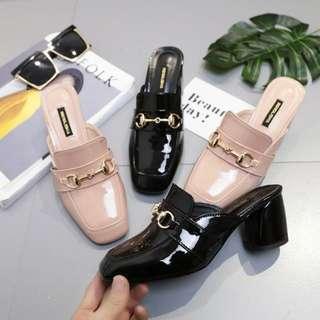英倫風氣質復古包頭金屬鏈雙釦方頭漆皮粗跟鞋 拖鞋 包頭鞋 休閒鞋 漆皮鞋