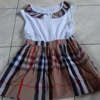 Dress kotak (baju anak)