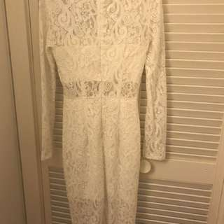Whit lace dress
