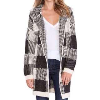 🚚 全新!歐美寒流必備暖冬時尚黑白格子翻領大衣外套 #冬季衣櫃出清