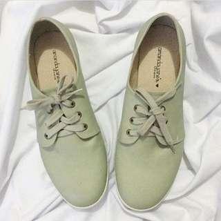 Amanda Jane's Green Shoes