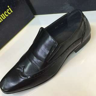 Synthetic black shoes