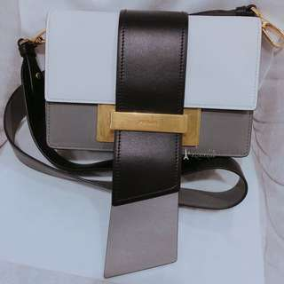 Prada Metal Ribbon 小牛皮手袋