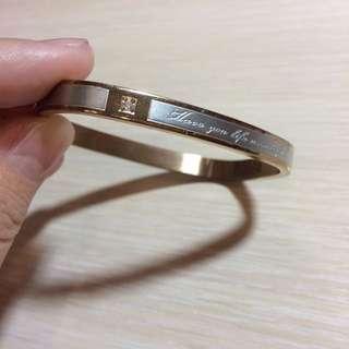 🚚 再降價☝️☝️香檳色系-方型手環
