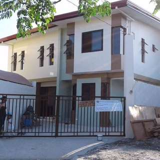 house and lot for sale in BF resort
