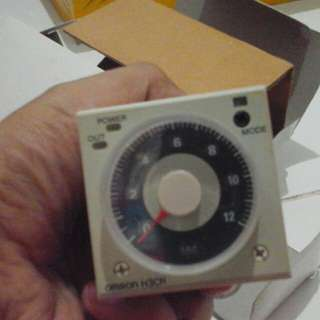 Timer Omron H3CR-A8 220VAC