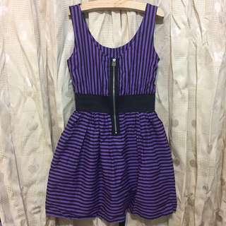 紫色線條鬆緊拉鍊顯瘦洋裝