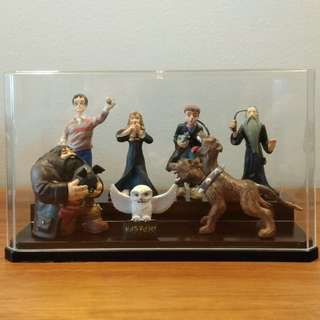 Harry Potter figurines (as set in Philosopher's Stone)