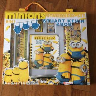 BNIB Minions Stationery Set