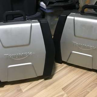 Triumph tiger 800 panniers / sidecases