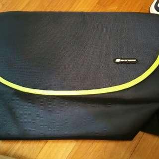 Skechers Messenger Style Bag