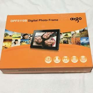 CNY Gift {Computer, Laptop & iPod - Digital Photo Frame} BN aigo Brand Model DPF5110B Digital Photo Frame 10.1 inch Widescreen
